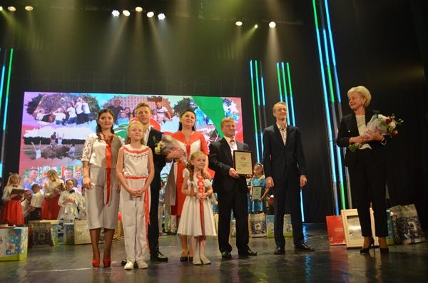 Почетное звание «Семья года» получила семья Николаевых из Могилева